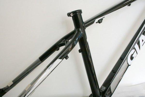 Алюминиевая рама для горного велосипеда Giant 2012XTC FR (mtb bike frame) 26*16/18inch (черный-белый)