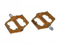 Педали  Kellys FLAT 50 BB, алюминий, насыпные подшипники, запасные пины в компл., 115 х 108мм, 550г, оранжевые